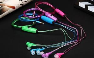 Casti Audio cu Cablu cu LED