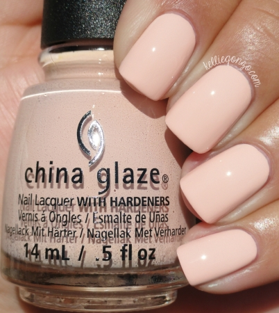 China Glaze Sand in My Mistletoes