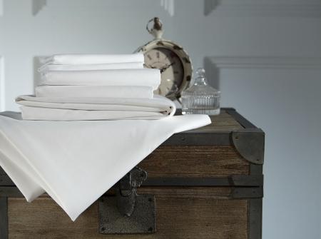 Cearceaf de pat cu elastic, 240TC - Alb