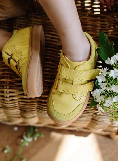 Sneakers care va aduc soarele la picioare!