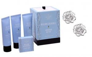 Roses Studs Sapphire Gift Set with Scottish Fine Soaps0