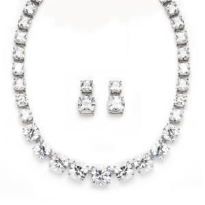 Majestic Medalion şi cercei Diamonds0