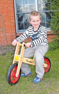 Bicicleta de echilibru din lemn1