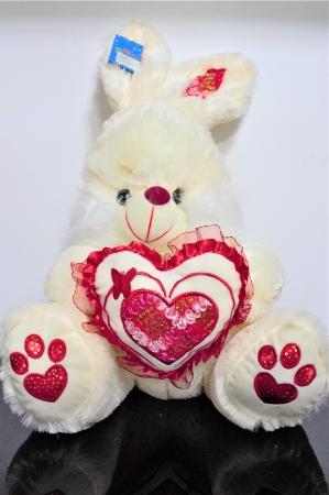 Iepuras din plus alb cu roz 40cm, cadoul ideal de Valentine's Day