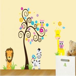 Autocolant decorativ - Copac carliontat si animalute5