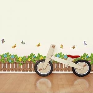Stickere tip brau decorativ - Gradinita cu flori si fluturasi - 132x35 cm