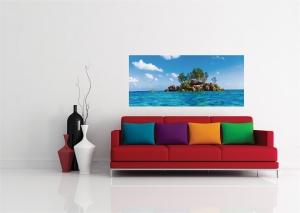 Fototapet Insula cu Stanci si Ape Tropicale1