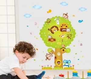 Sticker camere copii - Copacul Urias1