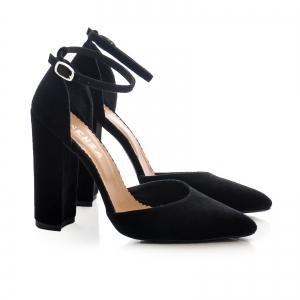 Pantofi cu decupaj interior si exterior. din piele intoarsa neagra1