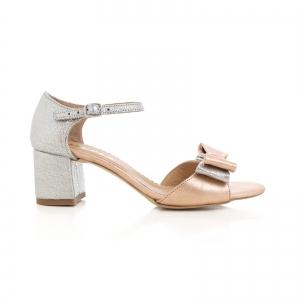 Sandale din piele laminata argintie si roze, cu funde duble.0