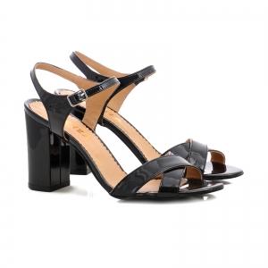 Sandale cu toc gros, din piele lacuita neagra1