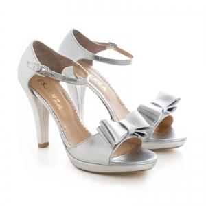 Sandale din piele laminata argintie, cu funde duble3