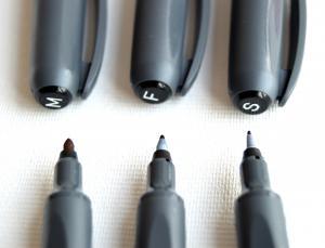 Marker permanent negru M (2.5 mm)