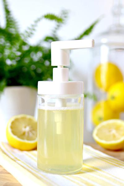 Detergent de vase care nu atacă pielea mâinilor, obținut în casă