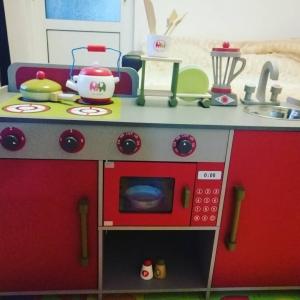 Bucatarie de lemn copii Dubla European Kitchen  cu accesorii14