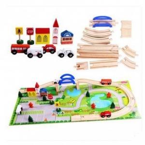 Circuit  din lemn cu masinute din lemn si covoras puzzle2
