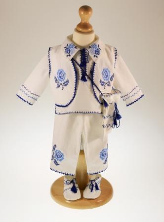 Costum traditional Pintea0