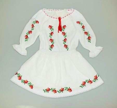 Costumas Trandafiri Jucausi- rosu0