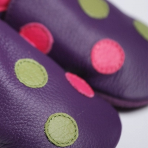 Pantofi cu talpă moale Liliputi® - Polka Dots Purple
