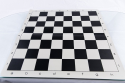 Combo Set: Piese de sah din plastic no. 6 - light si Tabla de sah din vinil1
