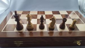 Set piese si cutie cu tabla de sah - Tournament2
