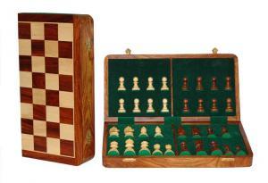Set piese si cutie cu tabla de sah - Tournament