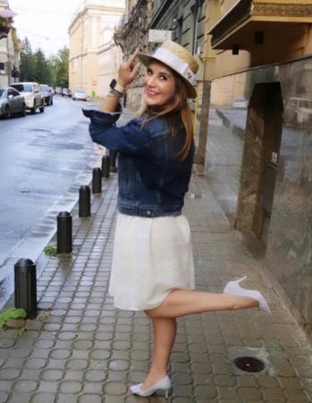Canotiera Handmade din paie cu funda Alba si albina - Luxury Edition6