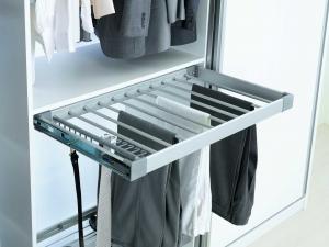 Suport de pantaloni extractibil pentru corp de 900 mm latime