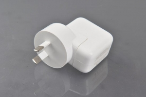 Adaptor priza USB  universal  cu microfon spy gsm si activare voce