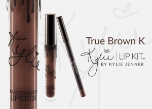 Set Kylie Lip Kit Ruj Lichid Mat + Creion Buze True Brown K