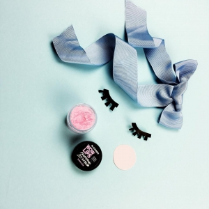 Scrub de buze cu zahăr Wow Lips Bubble Gum, 40g
