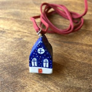 Căsuță cu șnur pictată manual Little Houses model 2