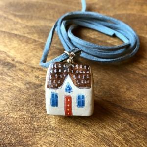 Căsuță cu șnur pictată manual Little Houses model 3
