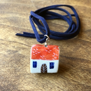 Căsuță cu șnur pictată manual Little Houses model 40