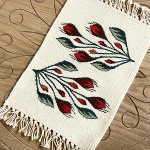 Carpetă 35x20 cm motiv boboci de trandafiri