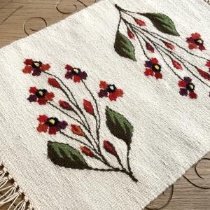 Carpetă 45x30 cm motiv flori de câmp roşii