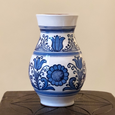 Vază alb-albastră model 1