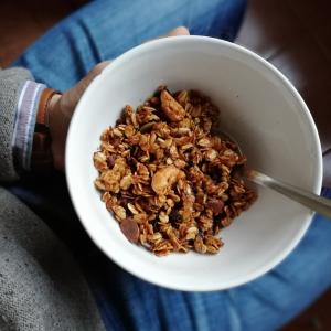 Granola la cuptor fără zahăr caju si fulgi de cacao NativeBox 450g