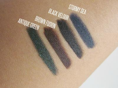 Creion de Ochi L'OREAL Color Riche Le Smoky - 207 Stormy Sea2