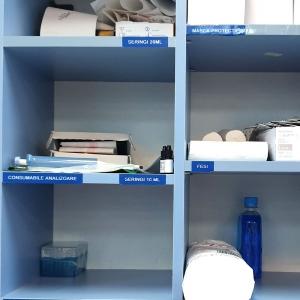 Etichete industriale autocolante, DYMO ID1 vinil, 12mm x 5.5m, alb/albastru, 18052432