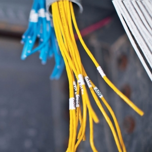 Etichete industriale autocolante compatibile, DYMO ID1, nailon flexibil, 19mm x 3.5m, negru/alb, 18489 S0718120-C3