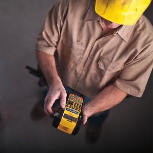Aparat etichetat industrial Dymo Rhino 5200 kit cu servieta, ABC, 19mm, S0841400 PTE300VPYJ1 DE272939534 84140013