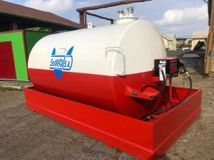 Rezervor suprateran 9000 litri cu pompa Cube 56 - alb-rosu