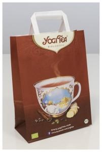 Punga de hartie inscriptionata Yogi Tea cu manere