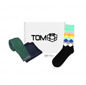 Set 4 accesorii - cravata brodata, batista, sosete, ac cravata mustata