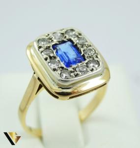 Inel cu safir si diamante de cca. 0.30 ct, din aur 18k, 5.60 grame