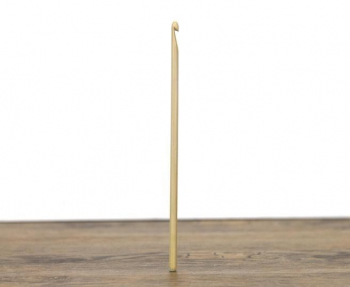 Croseta handmade lemn 2.75mm