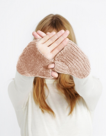 Kit tricotat manusi Full of Love Mittens0