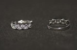 Cercei BLU cu impletitura argintii cu zirconiu alb