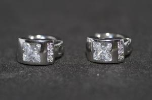 Cercei BLU cu piatra de zirconiu alb in forma de X